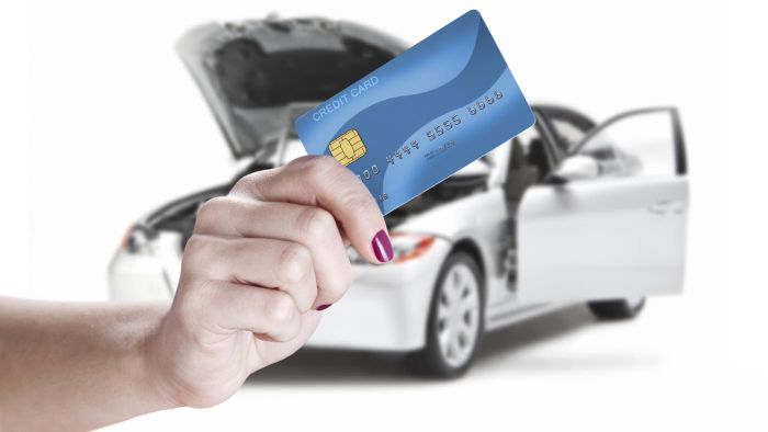 What Are the Best CFNA Credit Cards for Students?