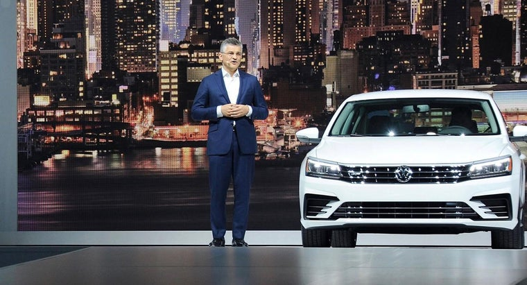What Are Some Features of the Volkswagen Passat B6?