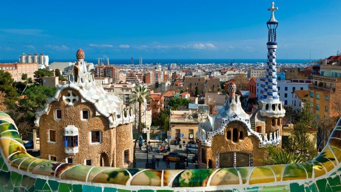 What are some popular hotels in Barcelona, Spain?