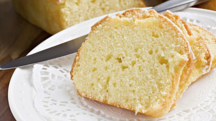 What are some highly-rated recipes for lemon pound cake?