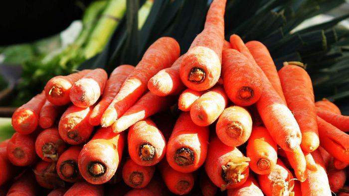 How Do Regular Carrots and Baby Carrots Differ?