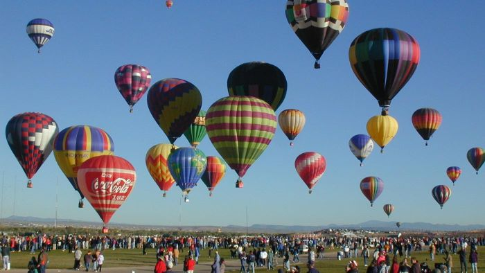 What Is the History of the Balloon Festival Held Annually in Albuquerque?