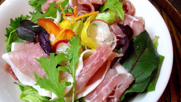What Is a Good Basic Ham Salad Recipe?