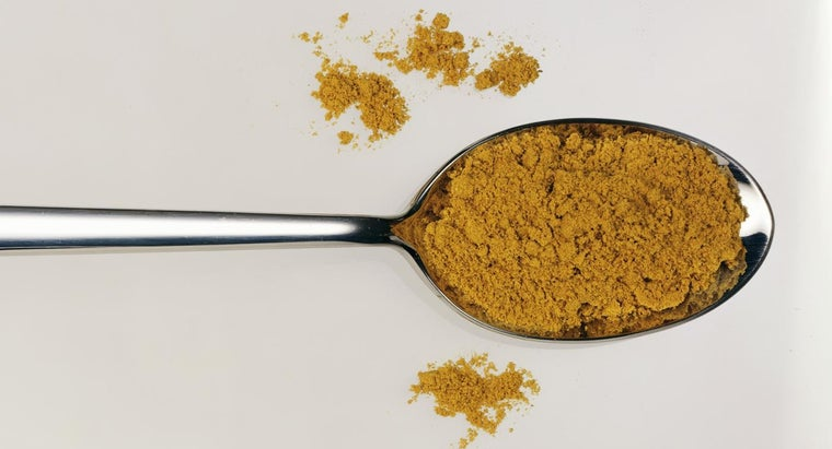 What Are the Primary Ingredients in Curry Powder?