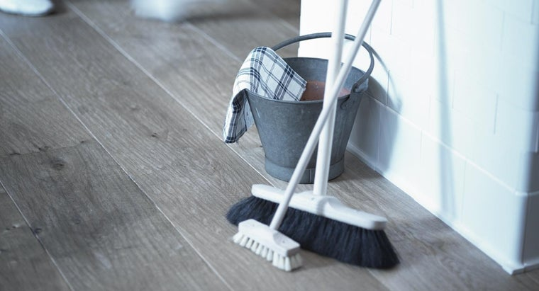 How Can Hydrogen Peroxide Be Used for Cleaning?