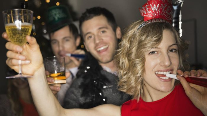 What are some game ideas for a New Year's Eve party?