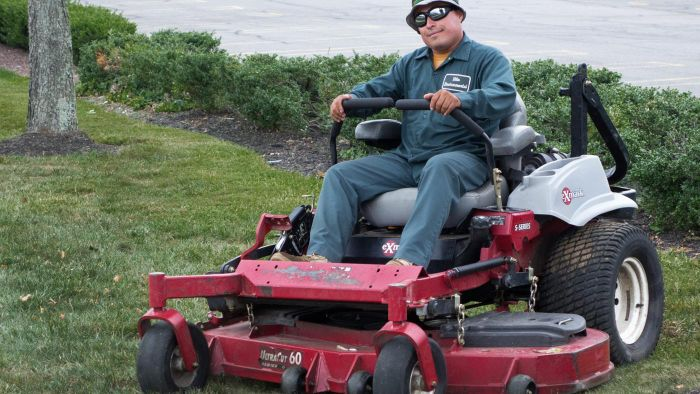 What Are the Best-Rated Zero-Turn Mowers?