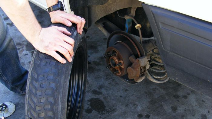What Free Auto Mechanic Manuals Are Available Online?