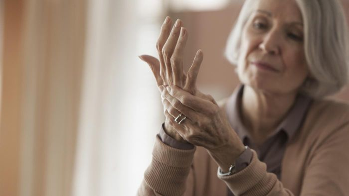 How Do Doctors Treat the Symptoms of Arthritis in Your Hands?