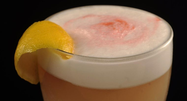 What Are Some Easy Whiskey Sour Drink Recipes?