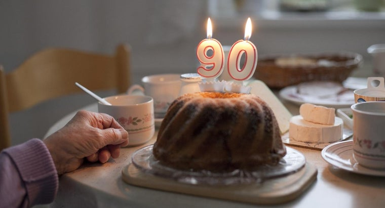 What Are Some Good 90th Birthday Gift Ideas?