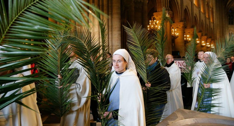 How Is the Date of Palm Sunday Determined Each Year?