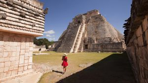 What Are Some Mayan History Facts?