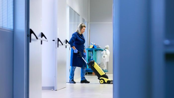 How Do You Start a Night Time Office Cleaning Business?