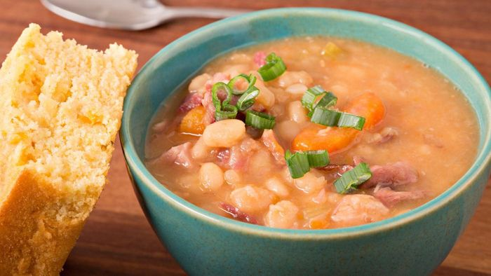 What Is a Good and Quick Recipe for Navy Bean Soup?