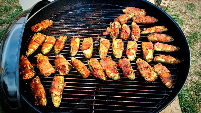How Do You Prepare Grilled Jalapeño Poppers?