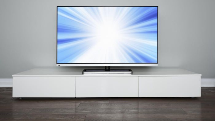 What Are Some of the Best-Rated 70-Inch TVs?
