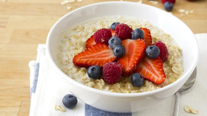 What Are Three Good Breakfast Options for a Diabetic Meal Plan?