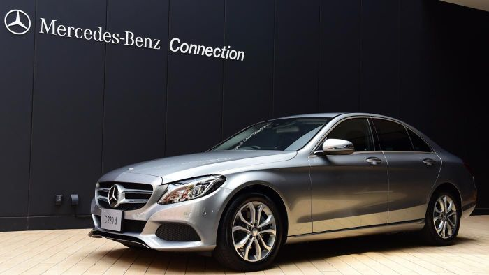 What Is the Difference Between Mercedes A and B Service?