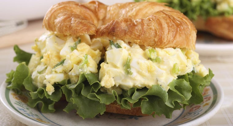 What Is a Good Recipe for Egg Salad Sandwiches?
