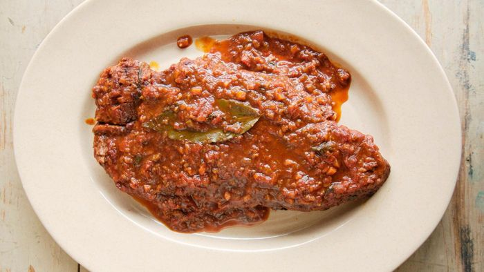 What Are Some Good Crock-Pot Recipes for Swiss Steak?