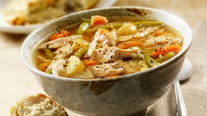 What Is an Easy Turkey Soup Recipe?