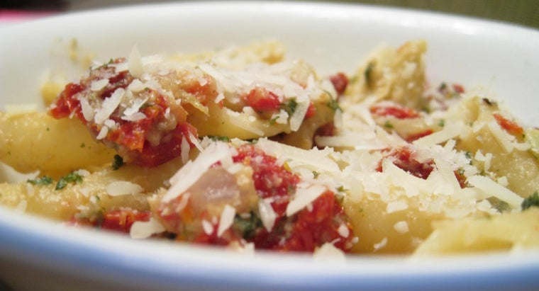 What Is an Easy Mostaccioli Recipe?