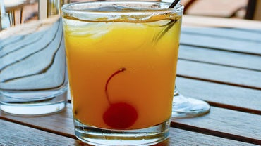 What Is a Good Amaretto Sour Recipe?