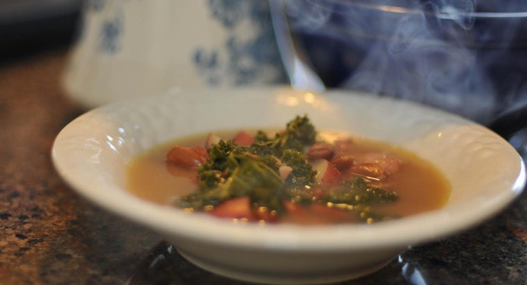 What Are Some Ways to Make Kale Soup?