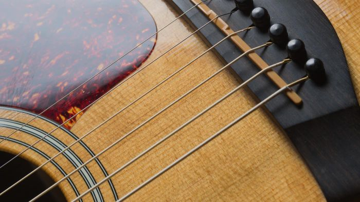 What Are Some Easy Guitar Chords?