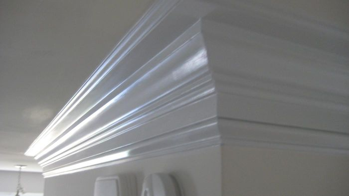 How Do You Cut Crown Molding Angles?