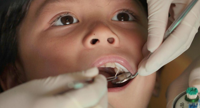 What Does a Dental Root Canal Procedure Entail?