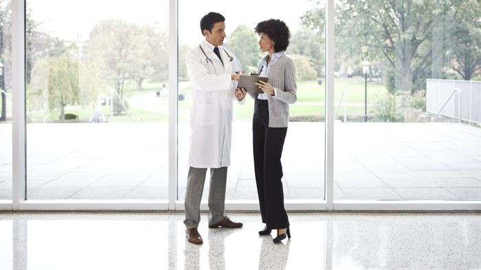 How Can You Become a Hospital Administrator?