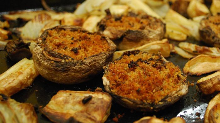 How Do You Make Baked Stuffed Mushrooms?