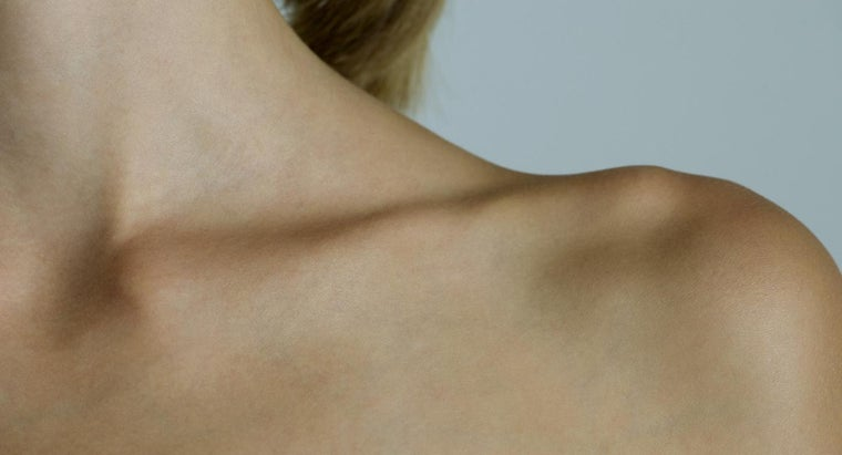 What Are Some Symptoms of Collar Bone Cancer?