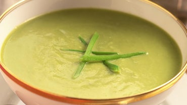 What Is an Easy Recipe for Split Pea Soup?