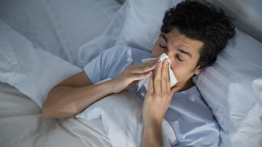 What Are the Symptoms of a Back Cold?
