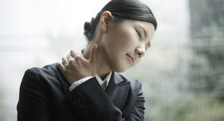 When Should You Seek Professional Help for Stiff Neck Pain?