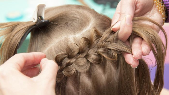 What are some easy ways to braid hair?