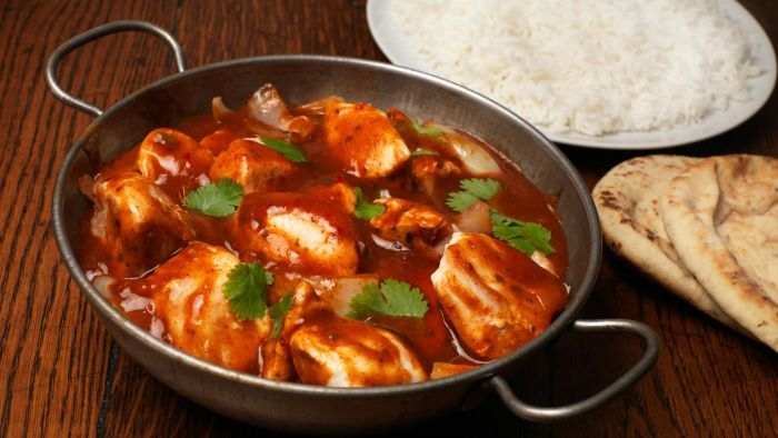 What Are Some Simple Chicken Curry Recipes?