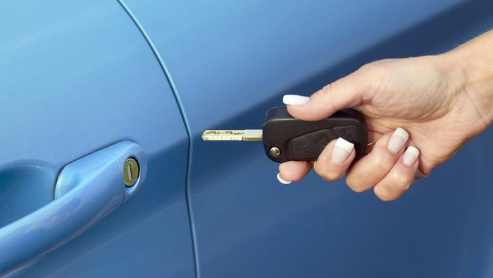 What Retailers Offer Car Key-Cutting Services?
