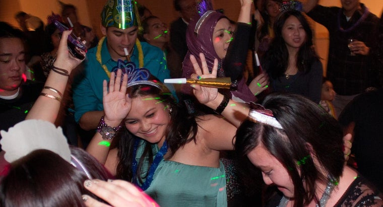 What Is a Fun Way to Do the Countdown on New Year's Eve?