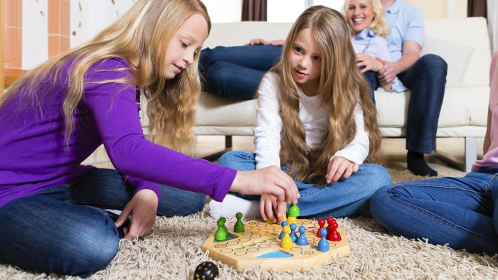 What Are Some Board Games for Eighth Graders?