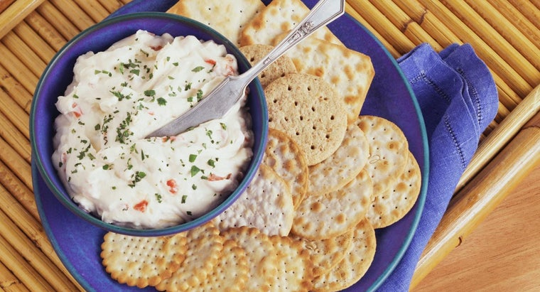 What Are a Few Good Crab Dip Recipes?