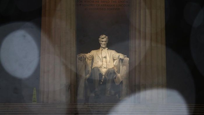 What Are Some Historical Facts About the Lincoln Memorial?
