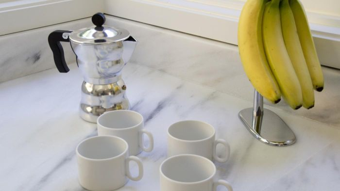 What Are Ways to Clean a Coffee Percolator Without Soap?