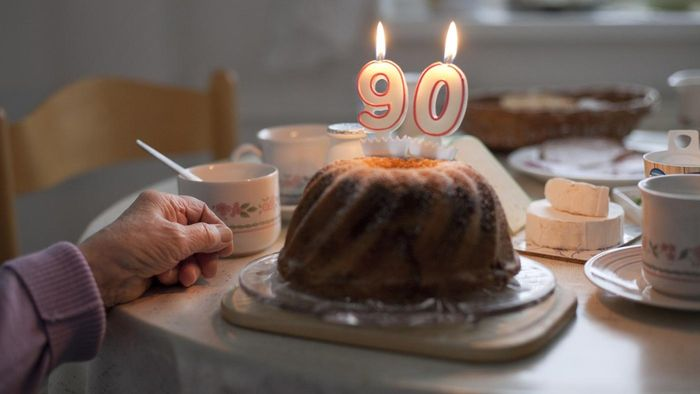 What Are Some Ways to Wish a Happy Birthday to Someone Turning 90?