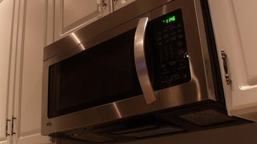 How Do You Remove a Microwave Over the Stove?
