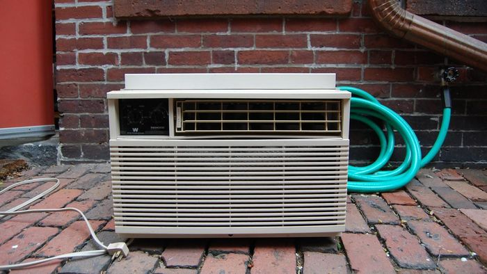 Where are used air conditioner units sold?