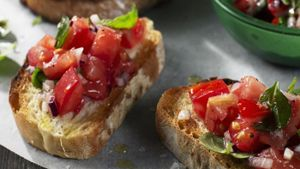 What Is an Easy Bruschetta Recipe?